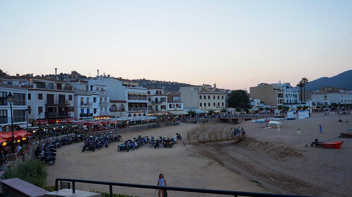 Тосса-де-Мар: набережная пляжа Гран