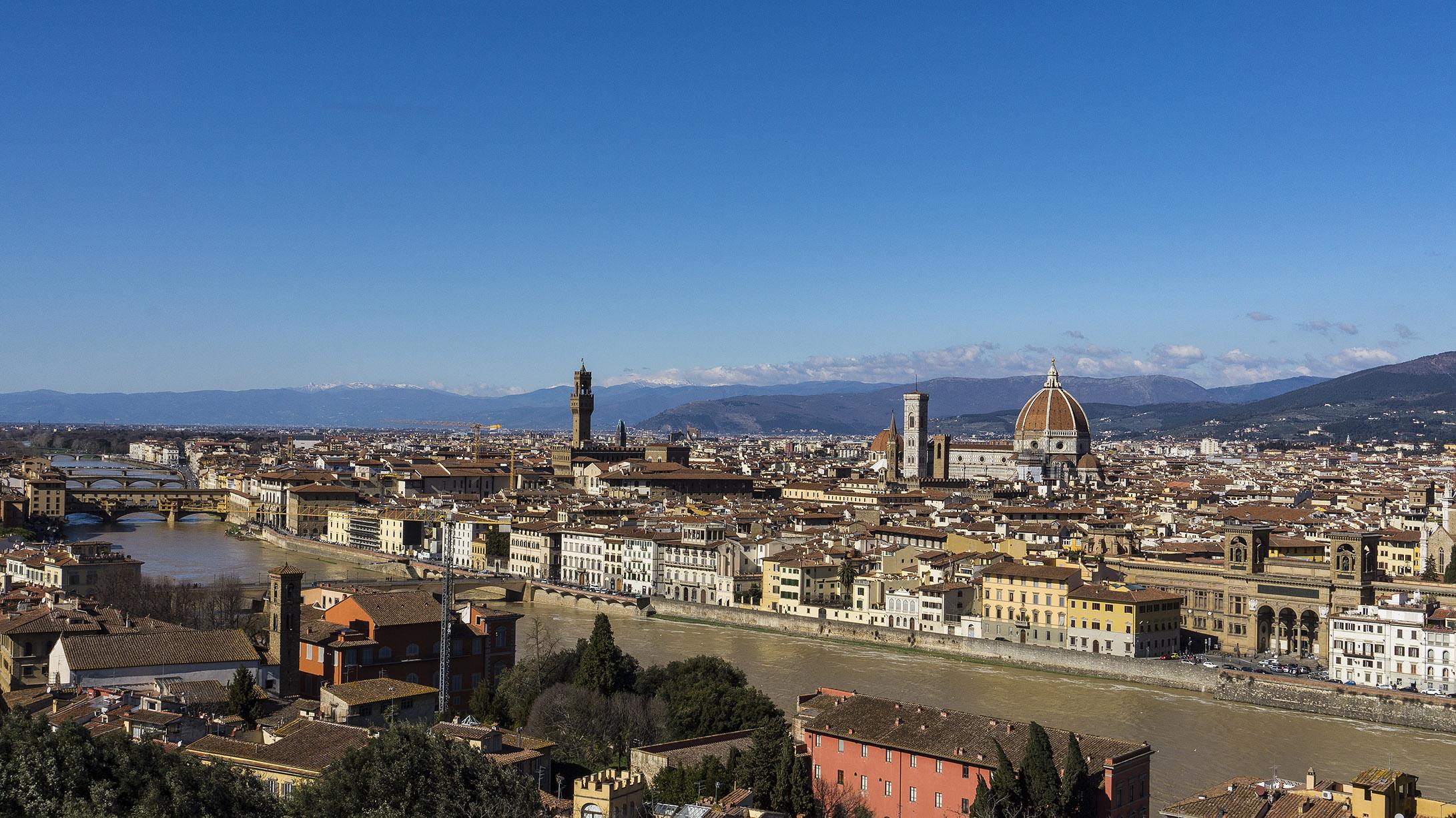 Смотровая площади Микеладжело: вид на Флоренцию