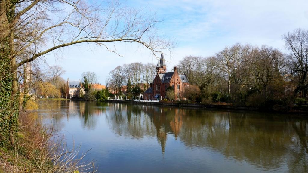 Брюгге, Бельгия: озеро Minnewater