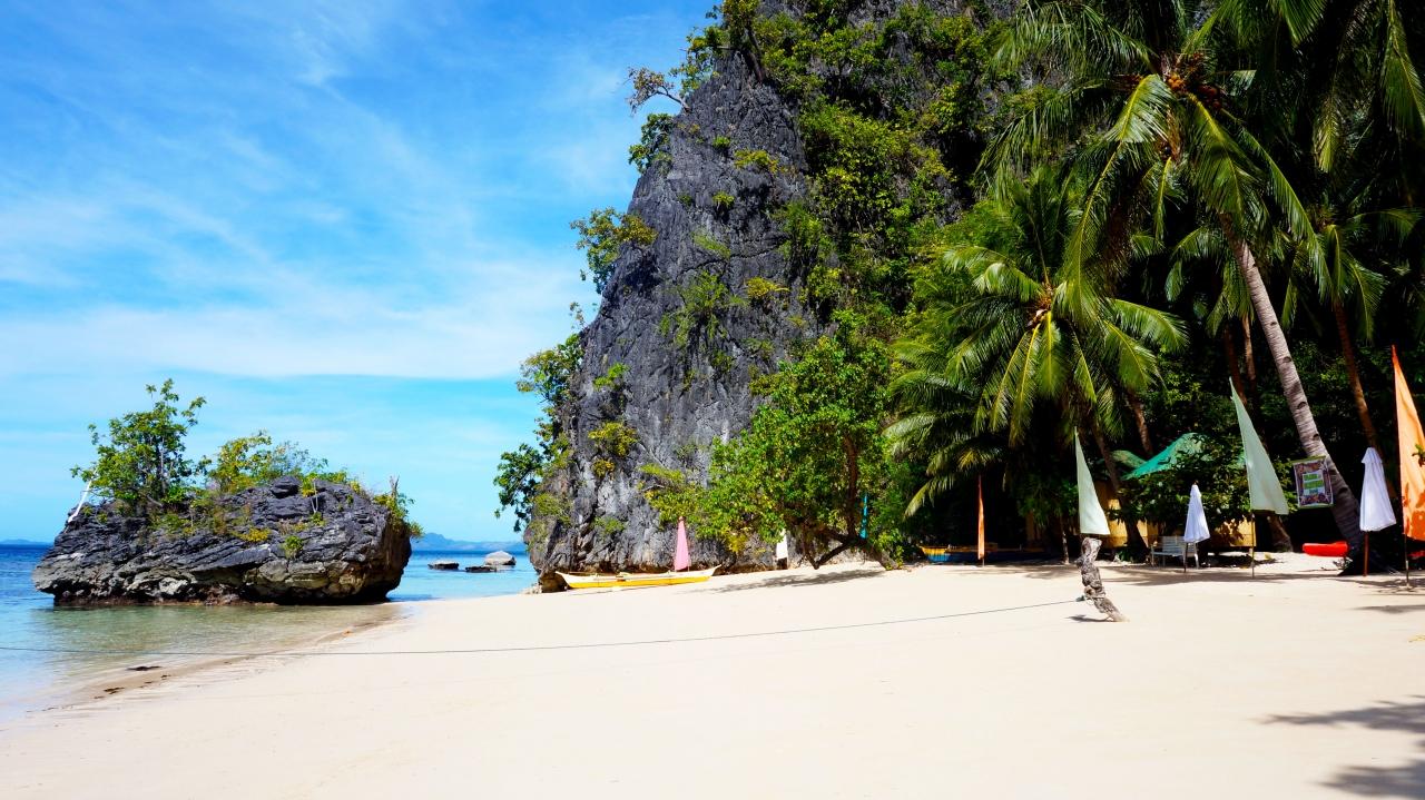 Остров Корон - Пляж