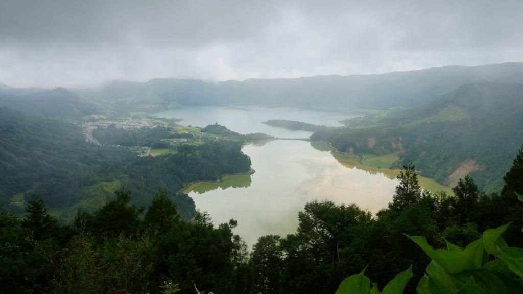 Азорские острова, Сан Мигель: озеро Сете Сидадеш (Sete Cidades)