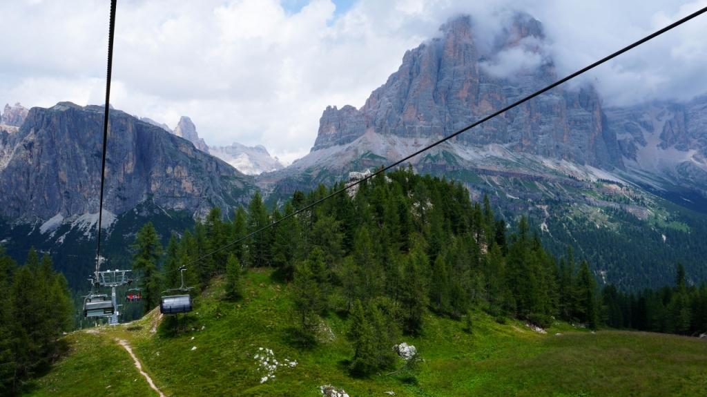 Кортина д'Ампеццо: подъемник Cinque Torri
