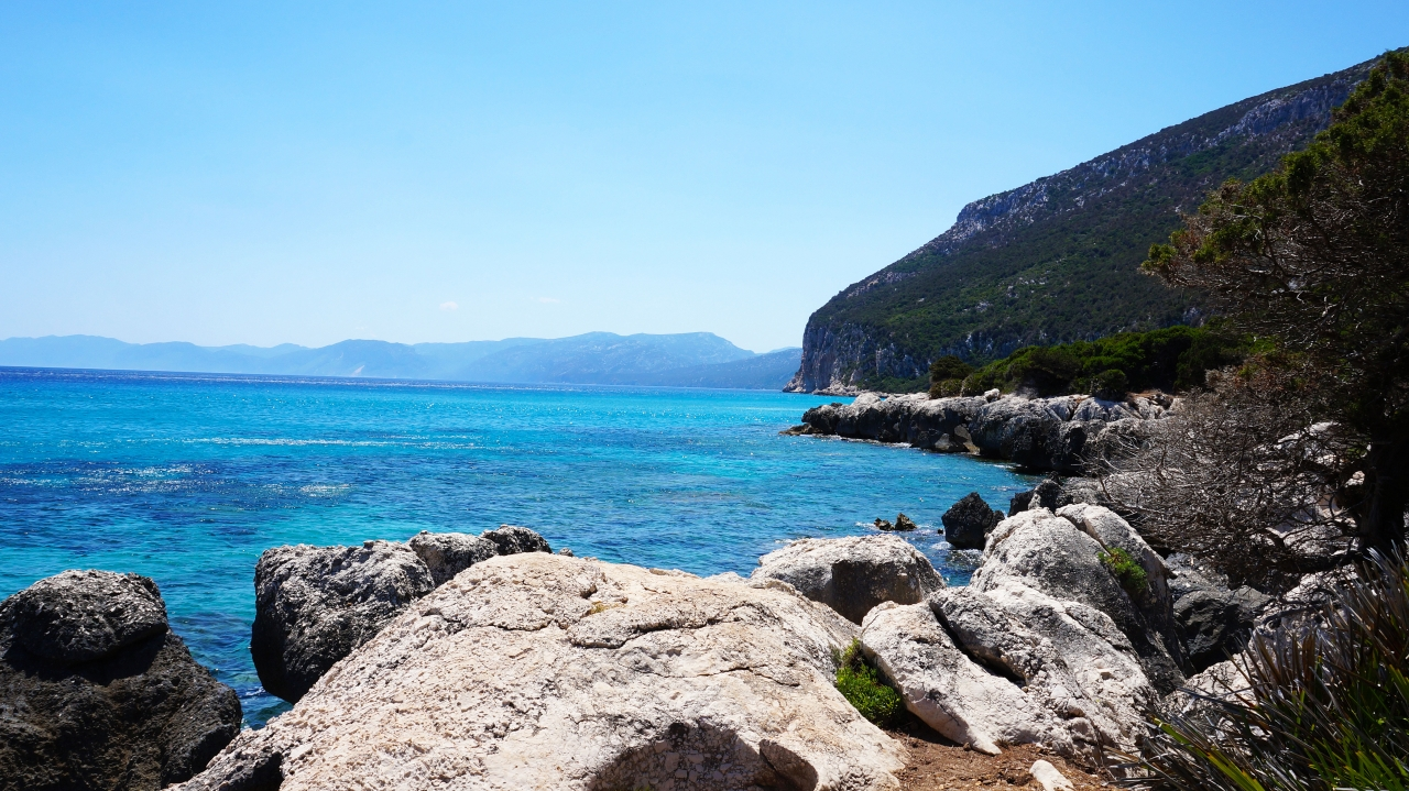 Сардиния: залив Орозеи - пляж Cala Cartoe