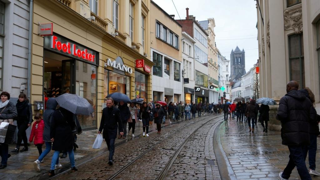Гент, Бельгия: торговая улица Veldstraat