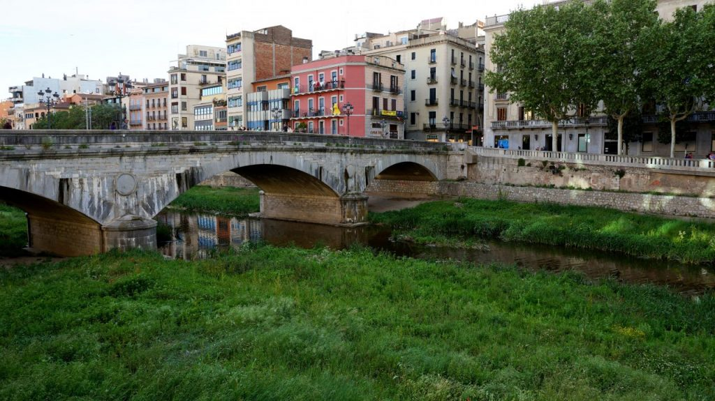 Жирона, Испания: мост Pont de Pedra