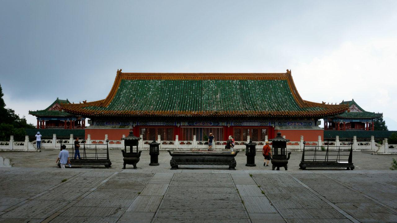 Гора Тяньмэнь: Буддийский храм