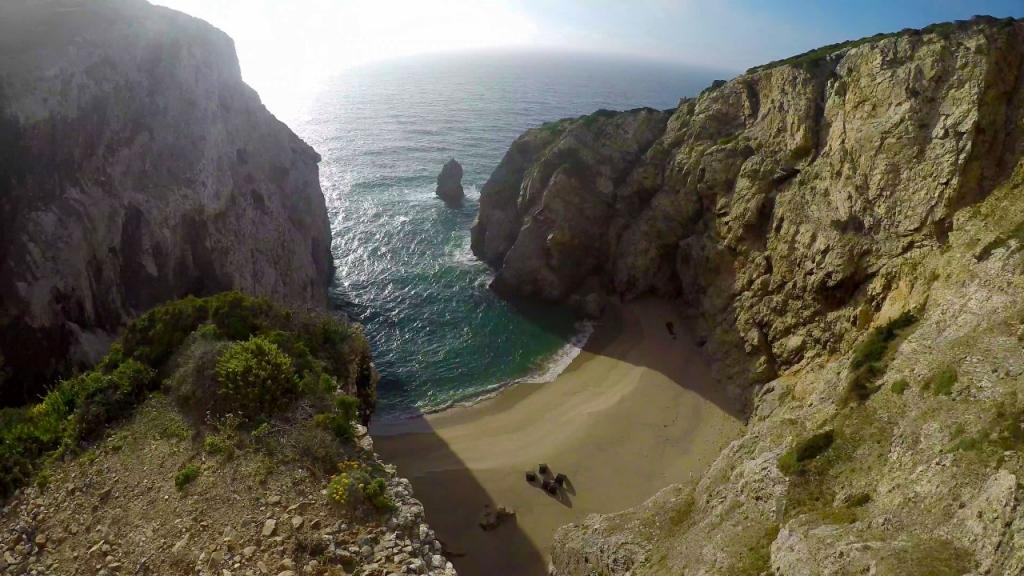 Пляж Praia do Caneiro