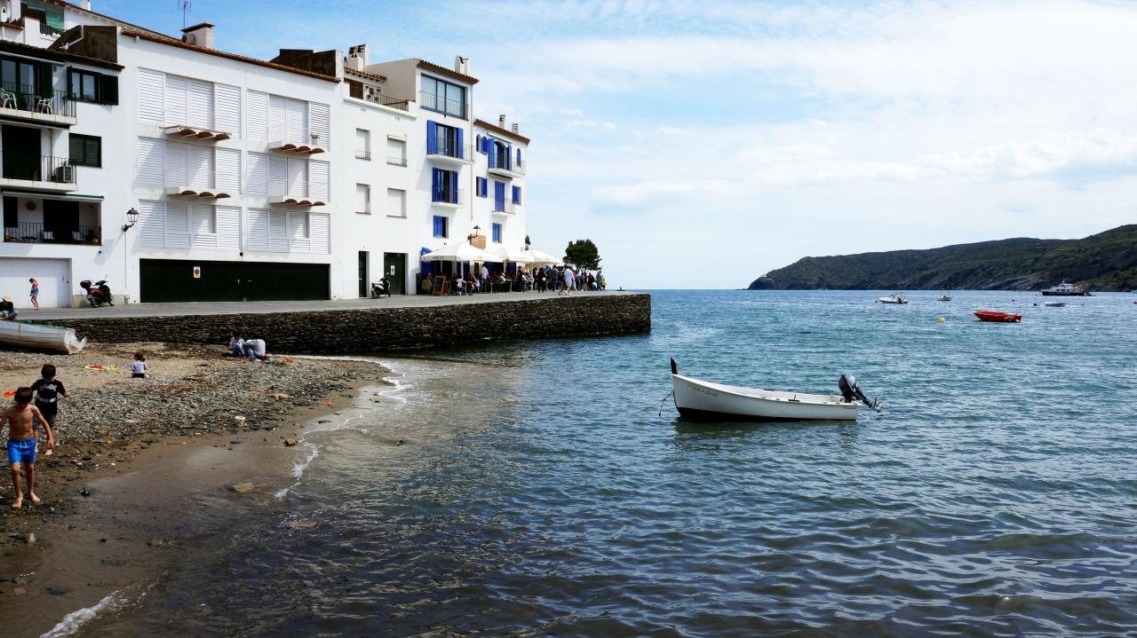 Кадакес: Пляж Platja Gran y Esportal