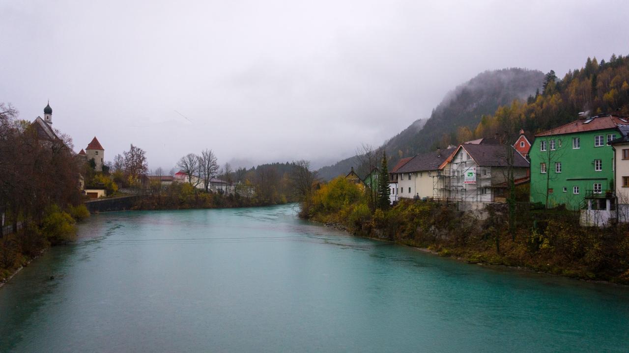 Фюссен: набережная реки Лех