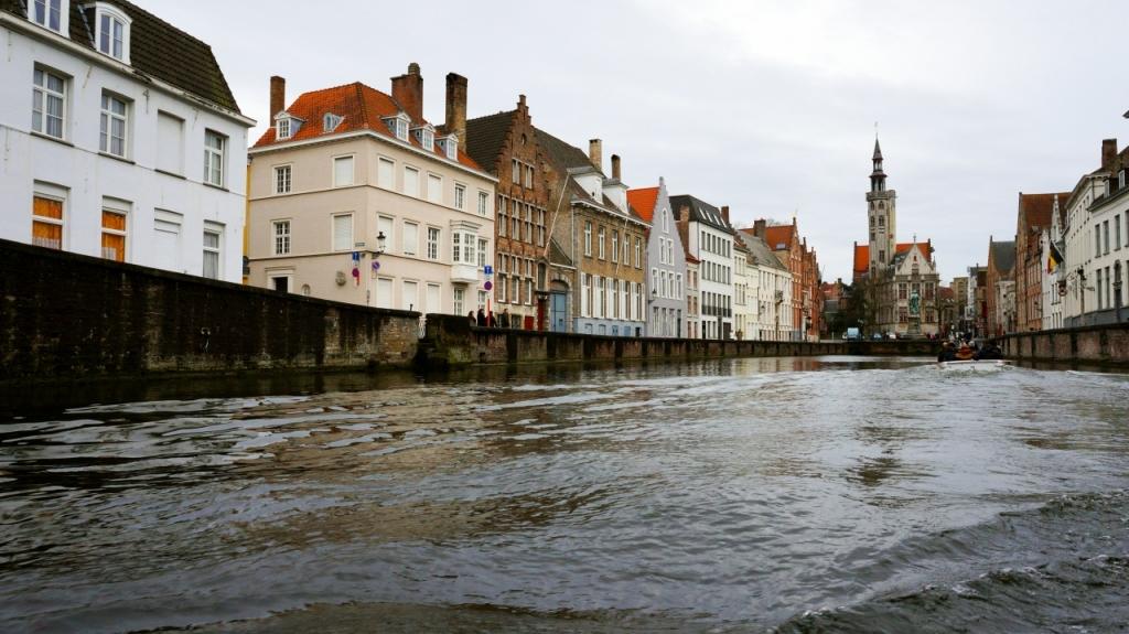 Брюгге, Бельгия: площадь Jan Van Eyck