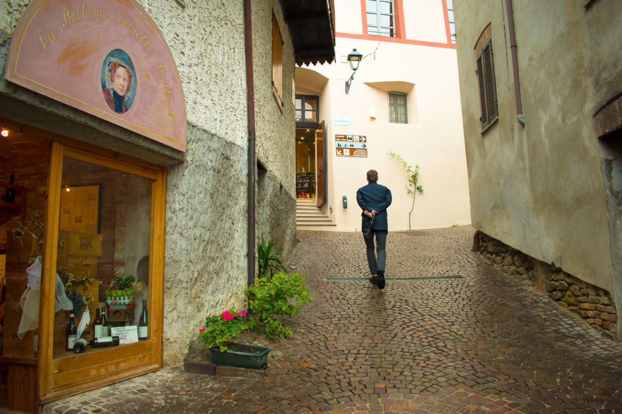 Бароло, Италия - окрестности Альбы