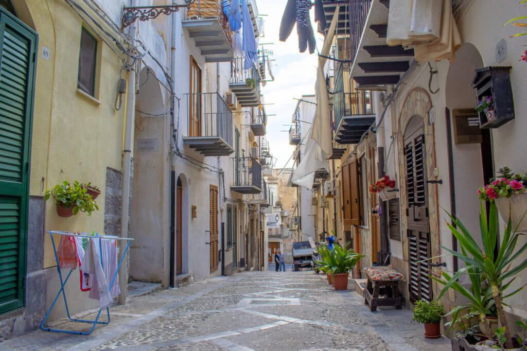 Чефалу, Сицилия - улицы города