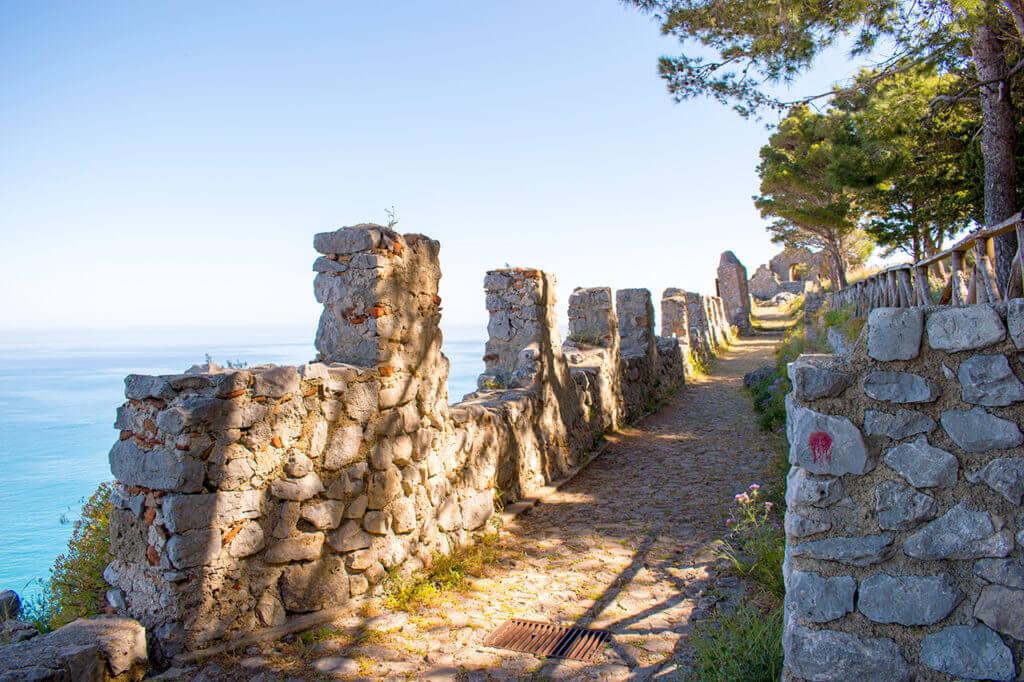 Чефалу, Сицилия - La Rocca
