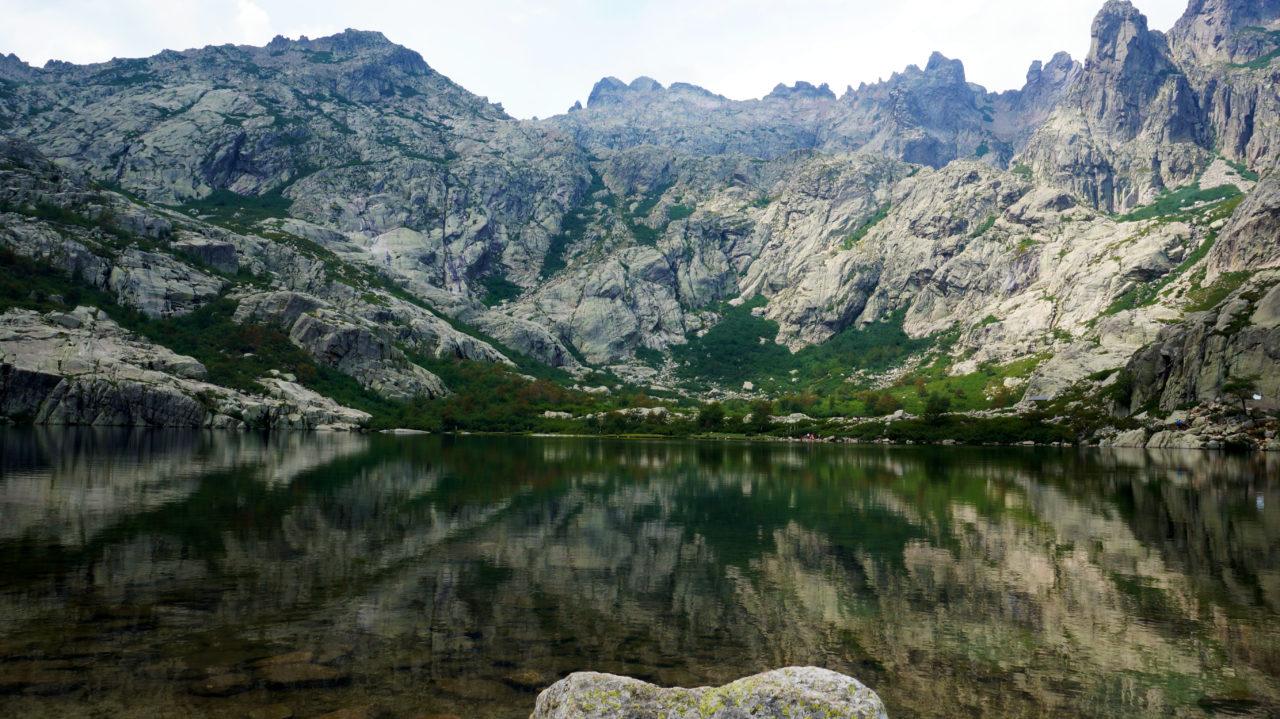 Остров Корсика: озеро Melo