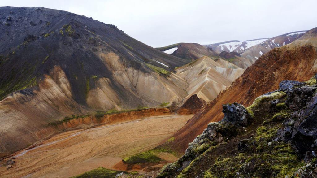 Ландманналаугар, Исланлия