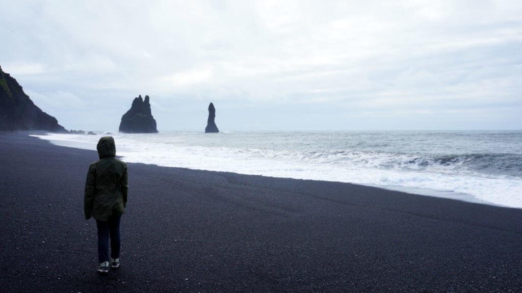 Достопримечательности Исландии: черный пляж Reynisfjara