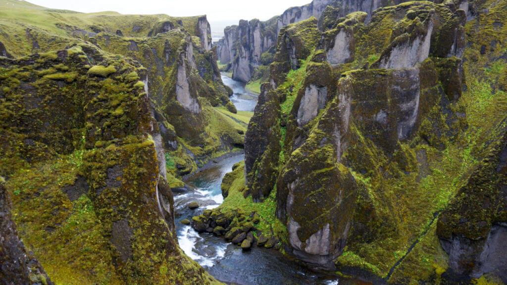 Каньон Fjaðrárgljúfur Вулкан Лаки Исландия Вулкан Лаки, Исландия Iceland 158 1024x575