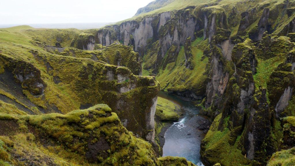 Каньон Fjaðrárgljúfur