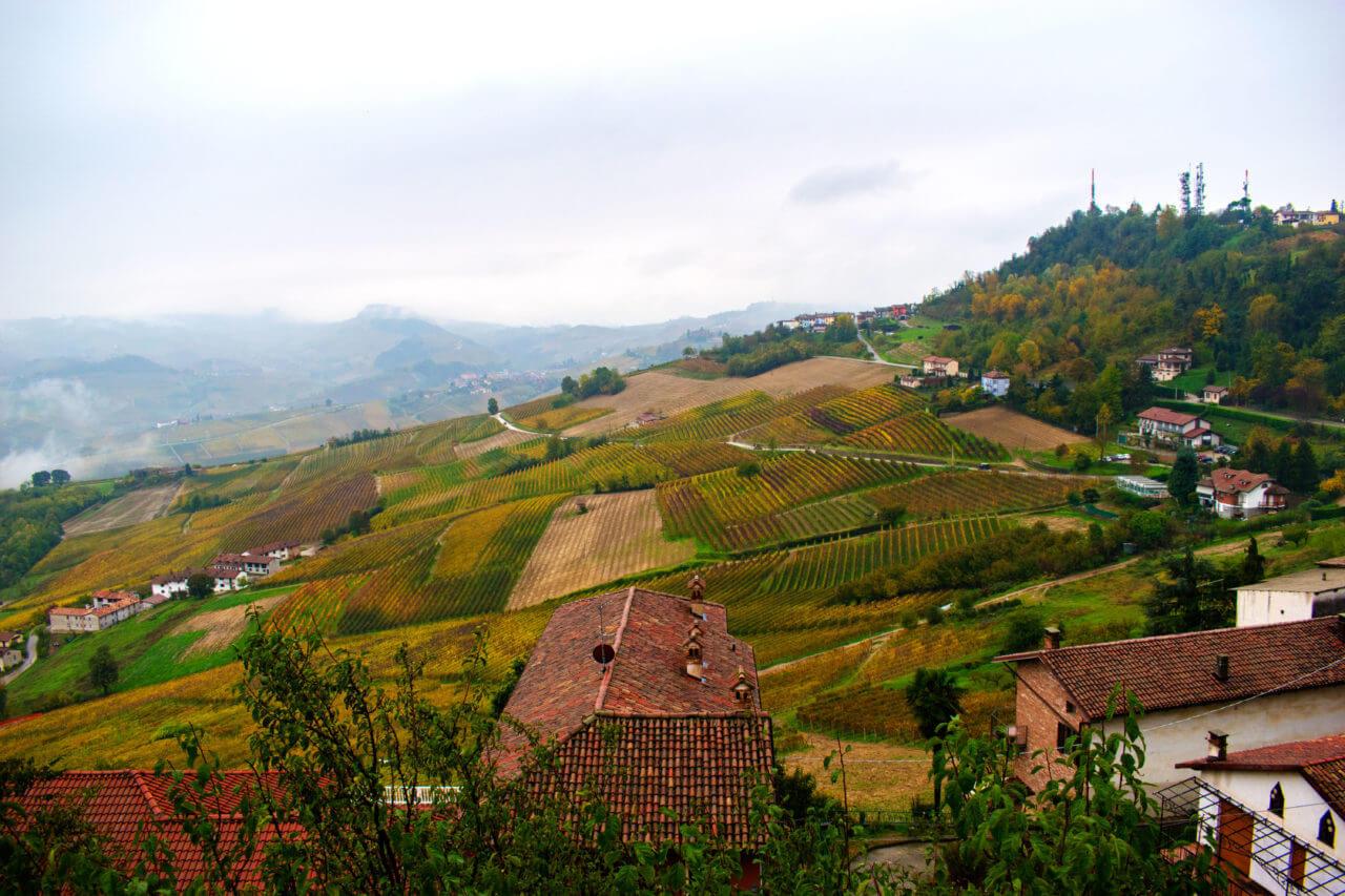Ла Морра, Италия - окрестности Альбы