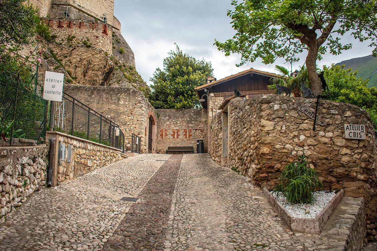 Мальчезине, Италия: улицы города Мальчезине Мальчезине, Италия Malcesine 16