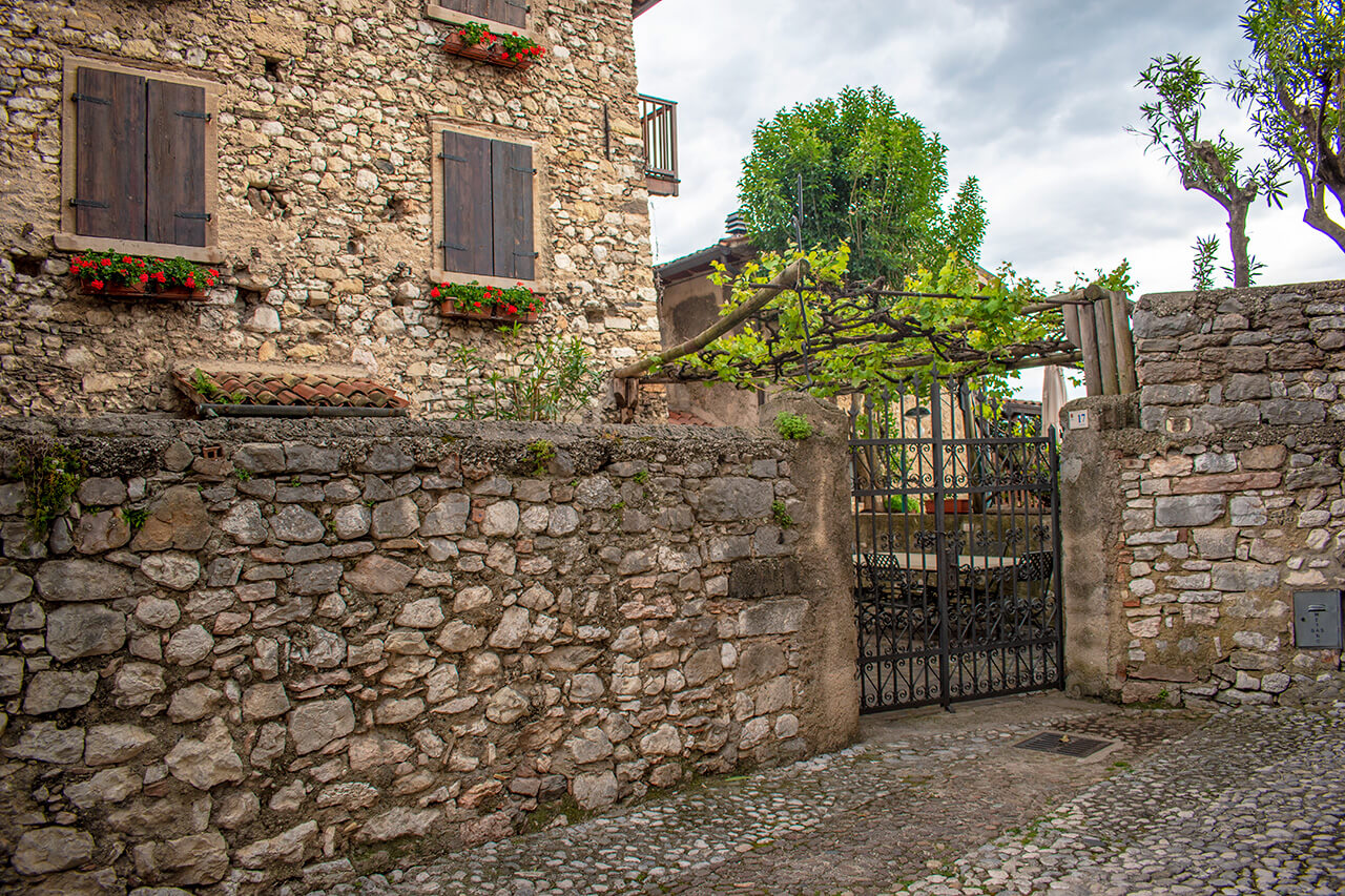 Мальчезине, Италия: улицы города Мальчезине Мальчезине, Италия Malcesine 21