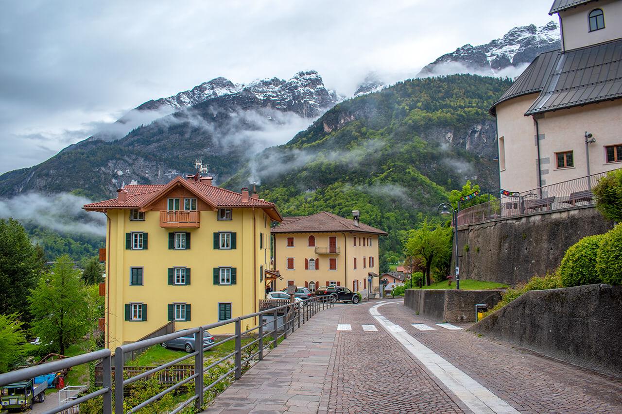 Мольвено, Италия
