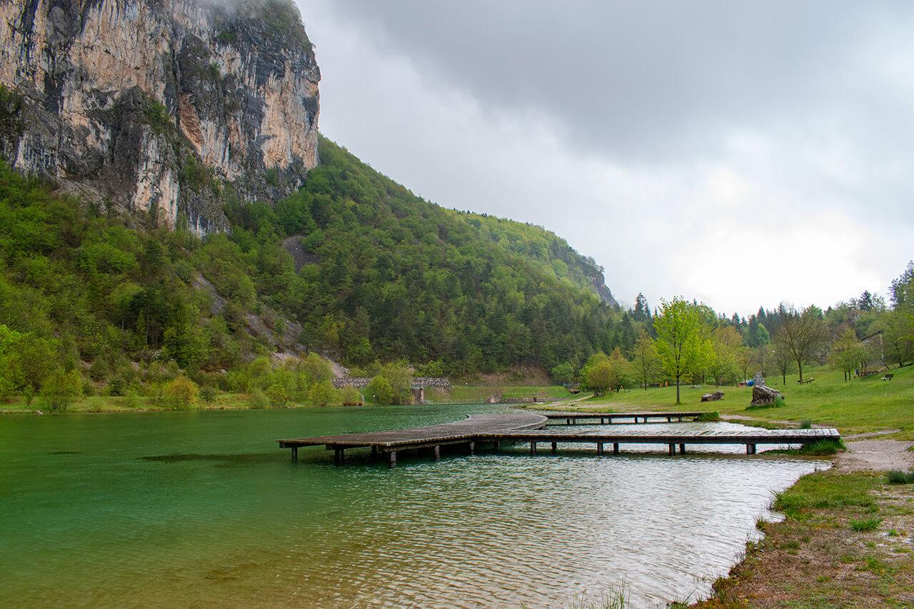 Мольвено, Италия: озеро Nembia