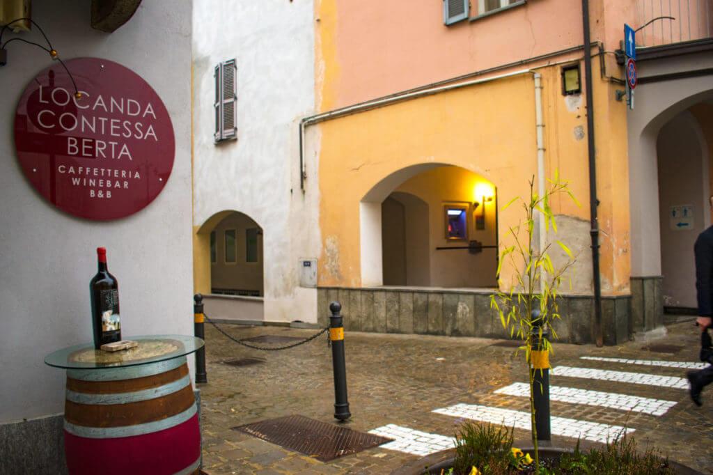 Монфорте д'Альба, Италия - окрестности Альбы