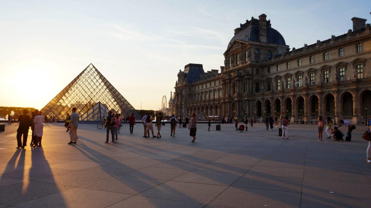 Париж за 2 дня: пирамида Лувра
