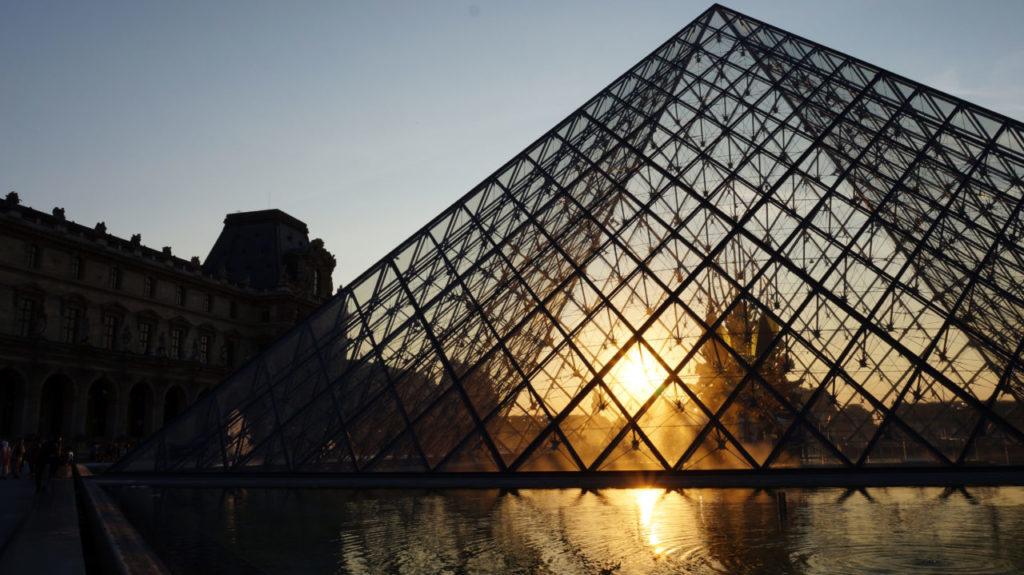 Париж за 2 дня: пирамида Лувра париж туры париж все об париже что смотреть париж Париж за 2 дня Paris 23 1024x575