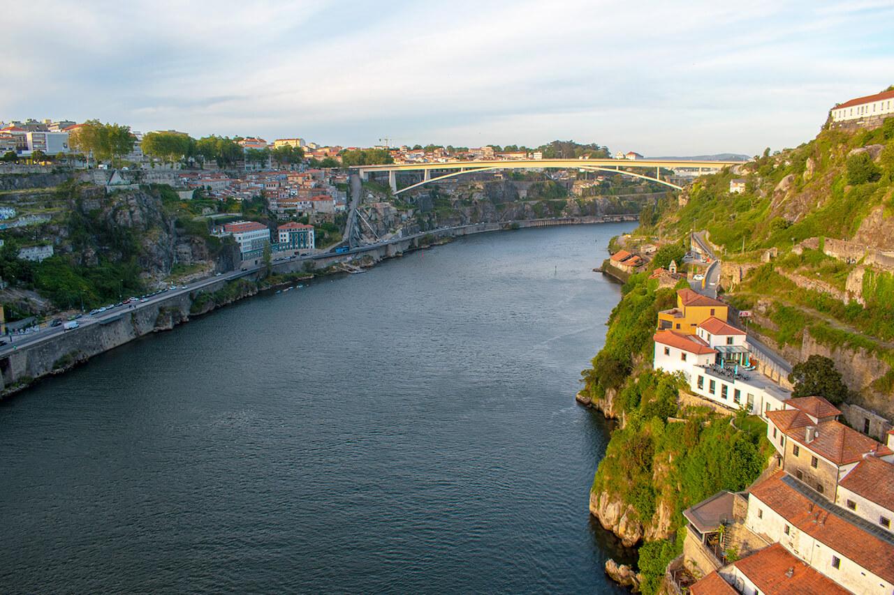 Порту, Португалия: мост Ponte do Infante