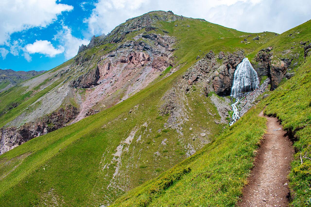 Терскол, Приэльбрусье: водопад Девичьи косы
