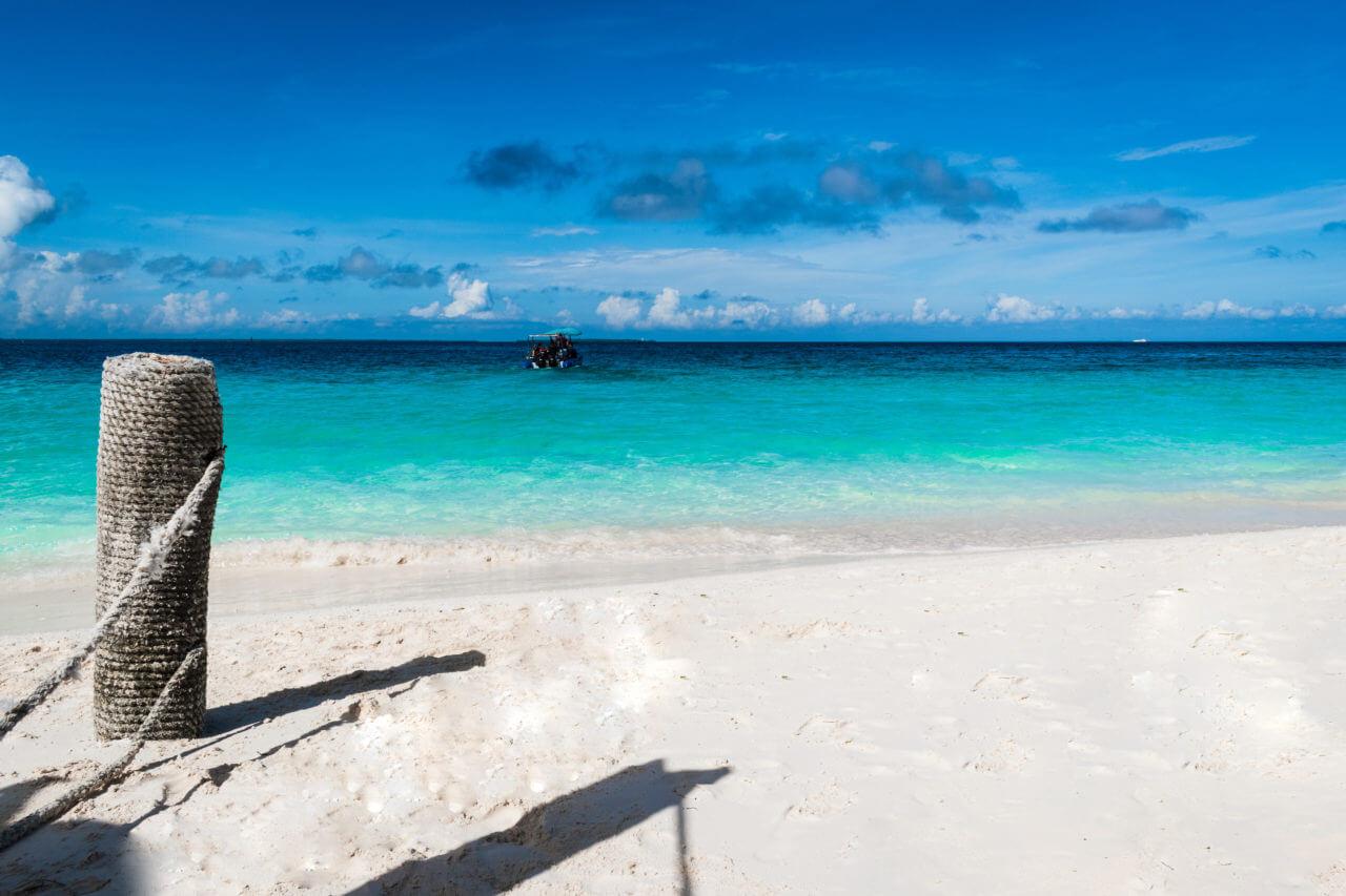 Занзибар, Танзания - пляж Нунгви  Занзибар, Танзания Zanzibar 008