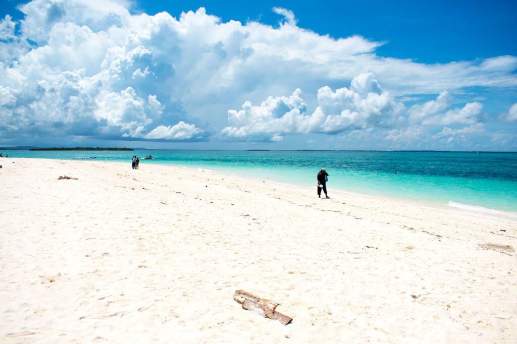 Занзибар, Танзания - пляж Кендва