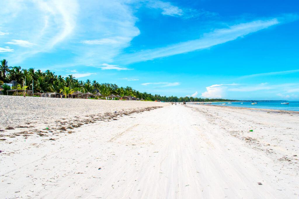 Занзибар, Танзания - пляж Pwani Mchangani