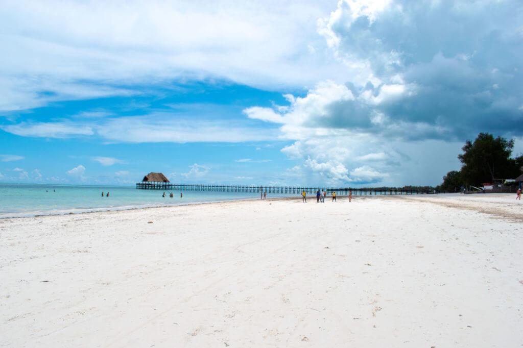 Занзибар, Танзания - пляж Kiwengwa