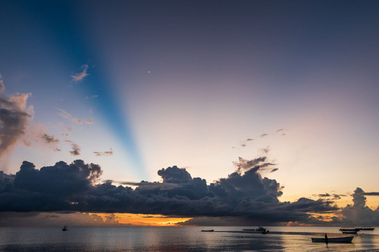 Занзибар, Танзания - восход на пляже Паже  Занзибар, Танзания Zanzibar 74 1