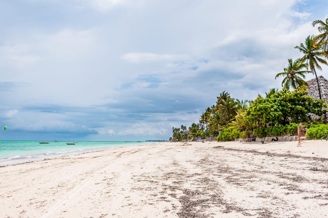 Занзибар, Танзания - пляж Джамбиани  Занзибар, Танзания Zanzibar 90