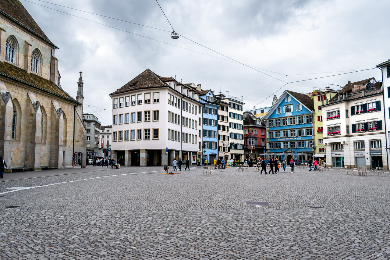 Цюрих, Швейцария: площадь Мюнстерхоф