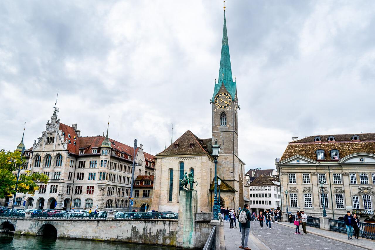 Цюрих, Швейцария: Фраумюнстер