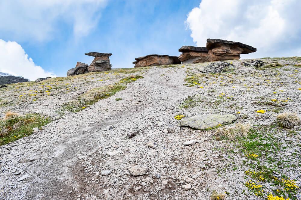 Джилы-Су: каменные грибы