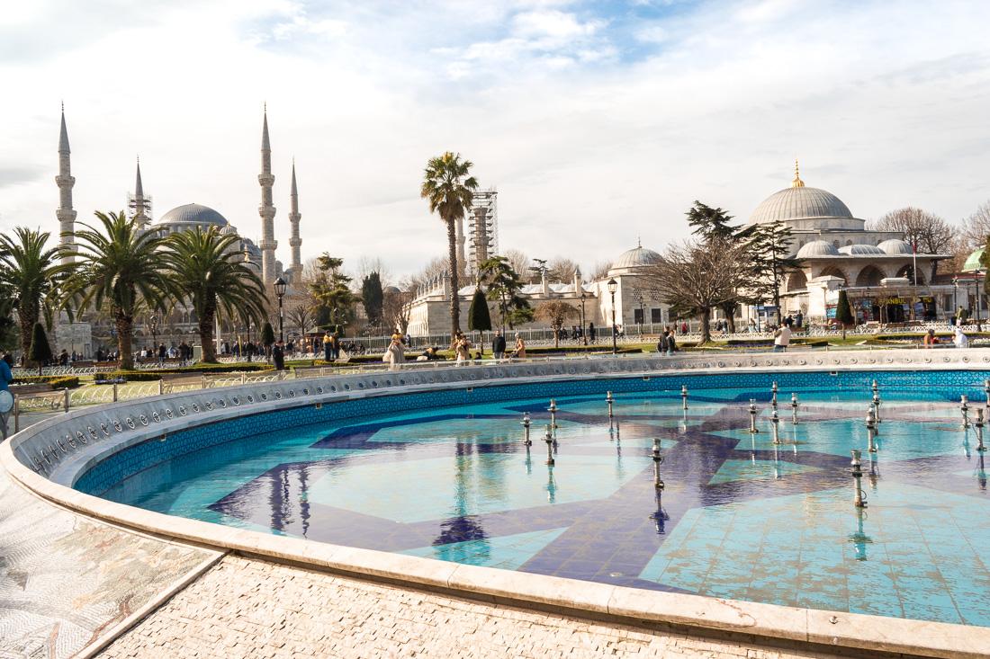 Стамбул за 3 дня: площадь Султанахмед