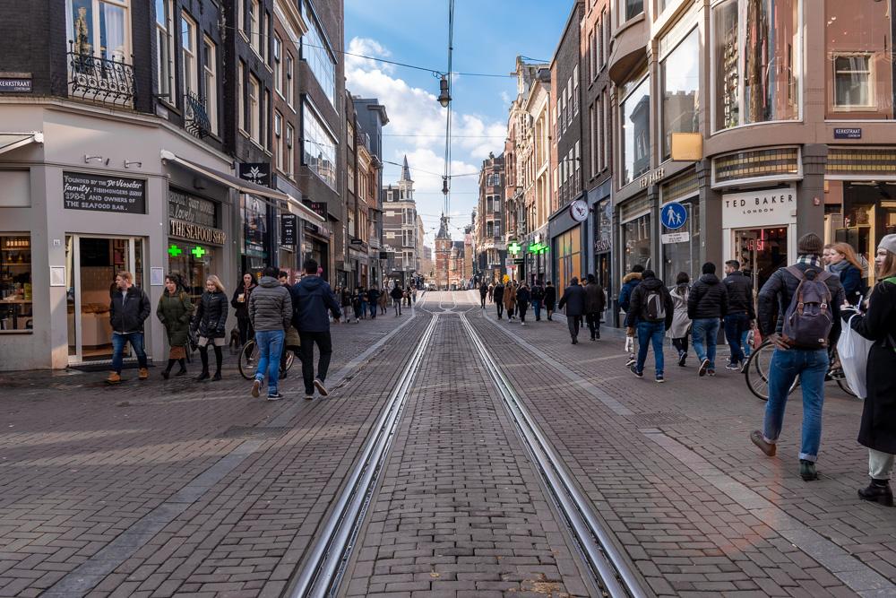 Амстердам за 2 дня: улица Leidsestraat