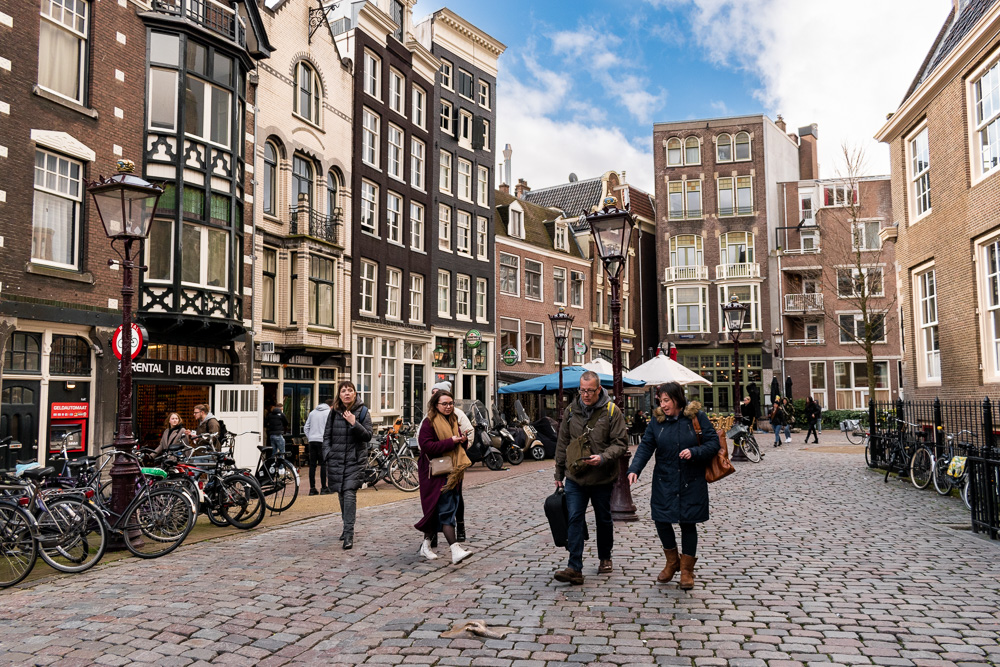 Амстердам за 2 дня: площадь Oudekerkplein